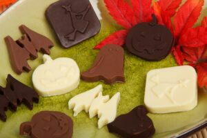 Orthodontic friendly halloween treats